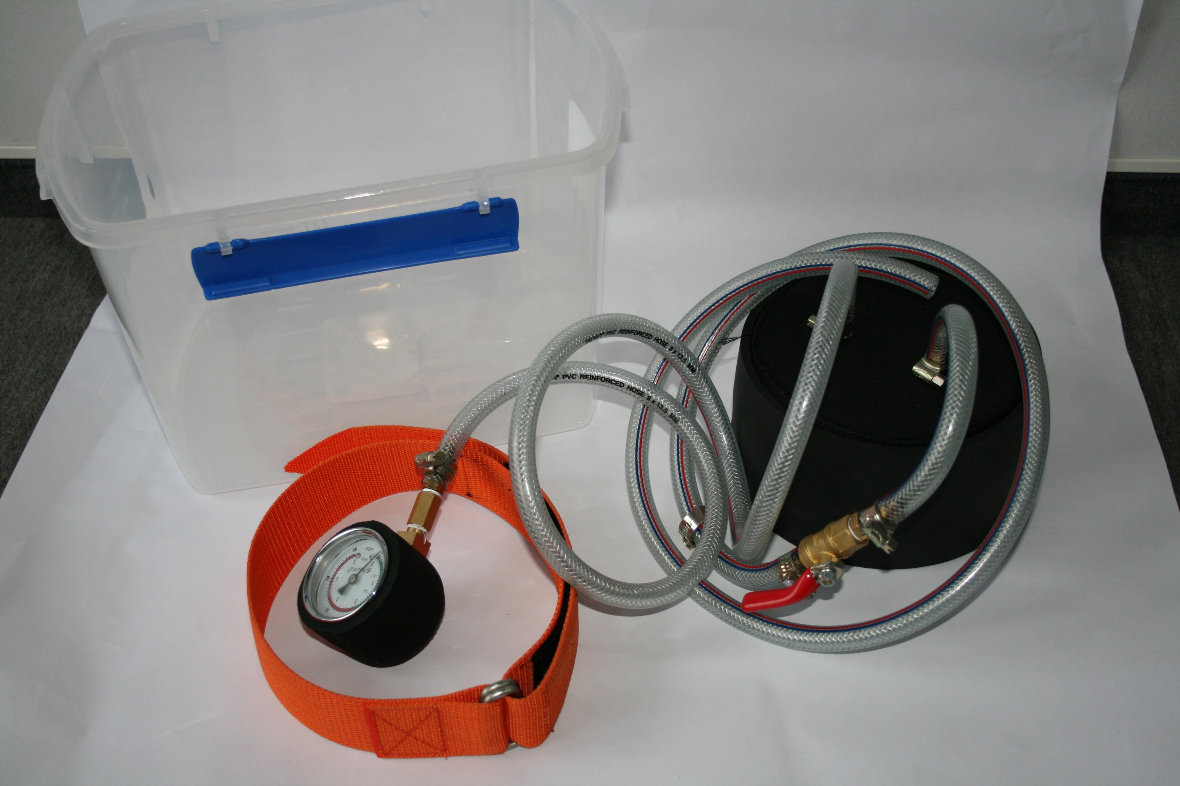 Drucktest Ausrüstung  für   Rettungsanzüge oder Anzüge ohne separates  Druckventil